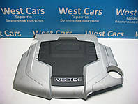 Крышка мотора декоративная на 3.0 tdi Audi A4 2007-2011 Б/У