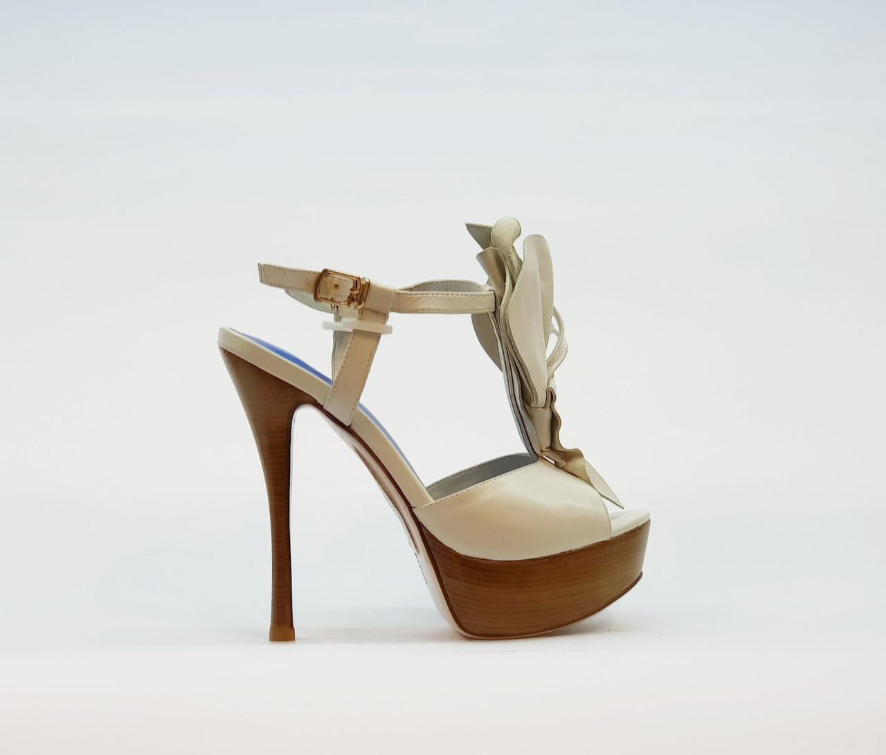 Босоножки женские из натуральной кожи на высоком каблуке шпилька и платформе белые