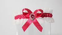 Подвязка с розовой лентой