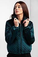 Короткая куртка SHORT из стеганного велюра бутылочного цвета с воротником стойка