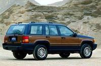 На редкой фотографии показан внедорожник Grand Cherokee от компании Dodge