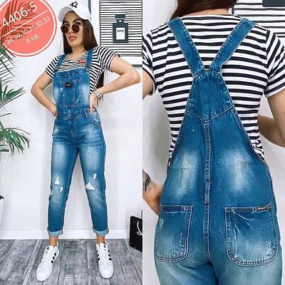Стильный женский комбинезон джинсовый