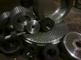 Матрицы для грануляторов плоские и кольцевые обечайки и ролики в сборе для грануляторов