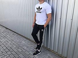 Стильний двоколірний літній чоловічий комплект штани+футболка Adidas (репліка)