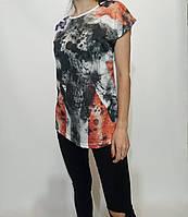 Женская белая  летняя футболка с принтом  размер 42-44