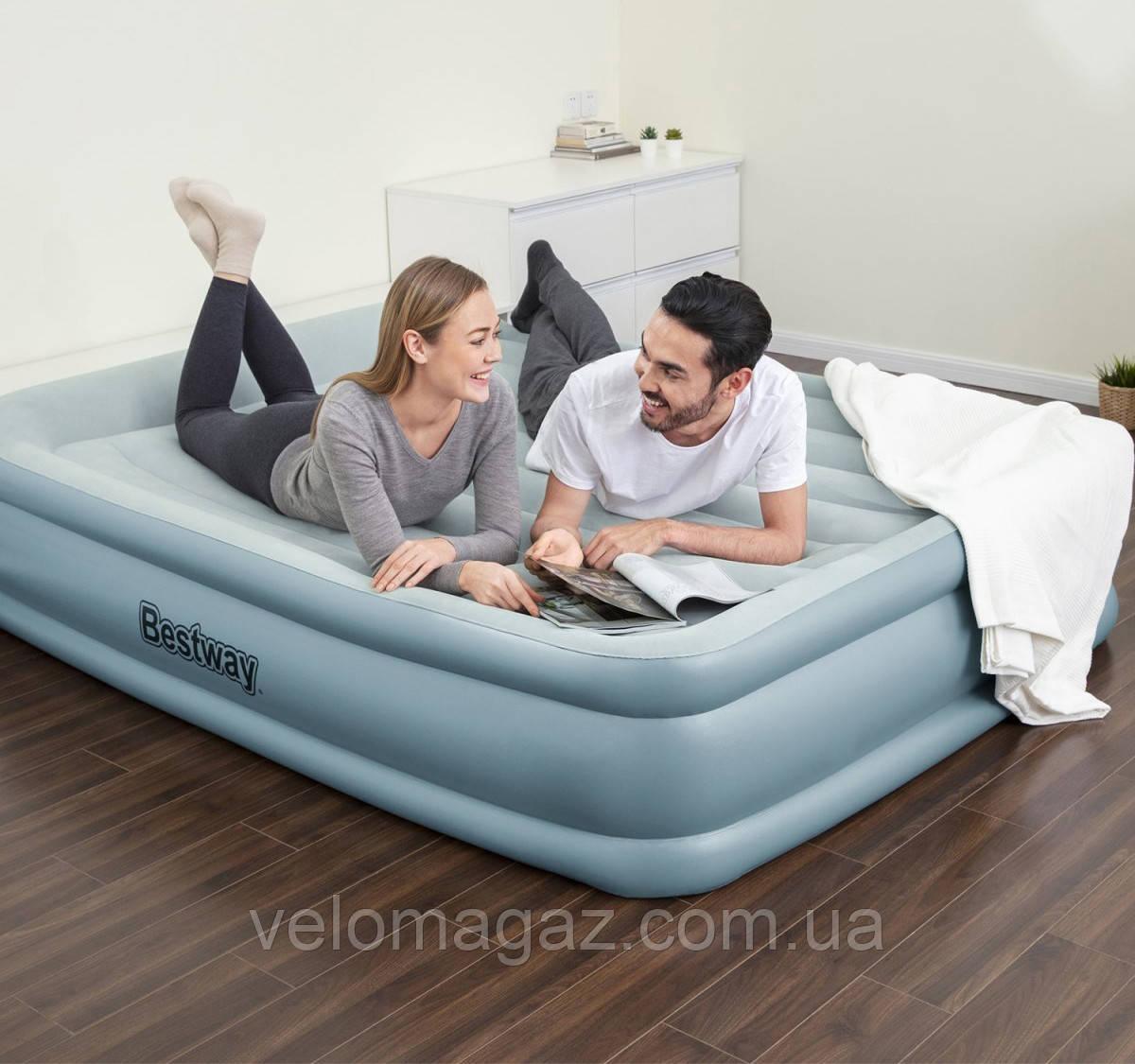 Надувная кровать двухспальная 203*152*46 см с встроенным насосом и USB-портом BESTWAY 67708