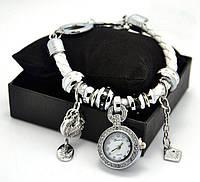 Часы-браслет Pandora белая, черная
