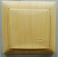 Розетка з кришкою PRIMERA  сосна  3811