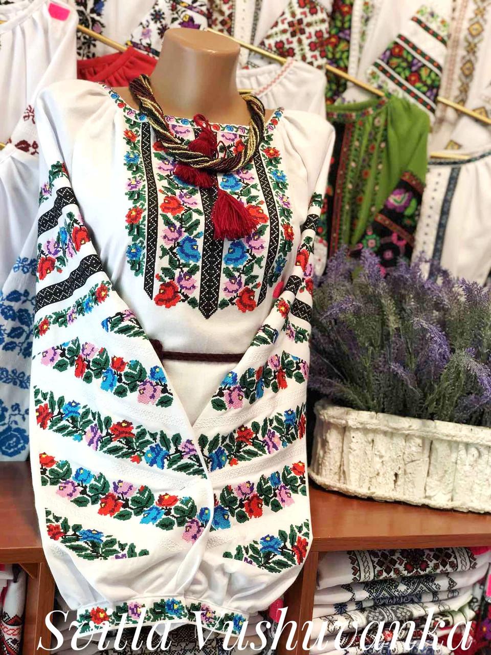 Повсякденна жіноча вишиванка із кольоровою вишивкою «Весняний віночок»