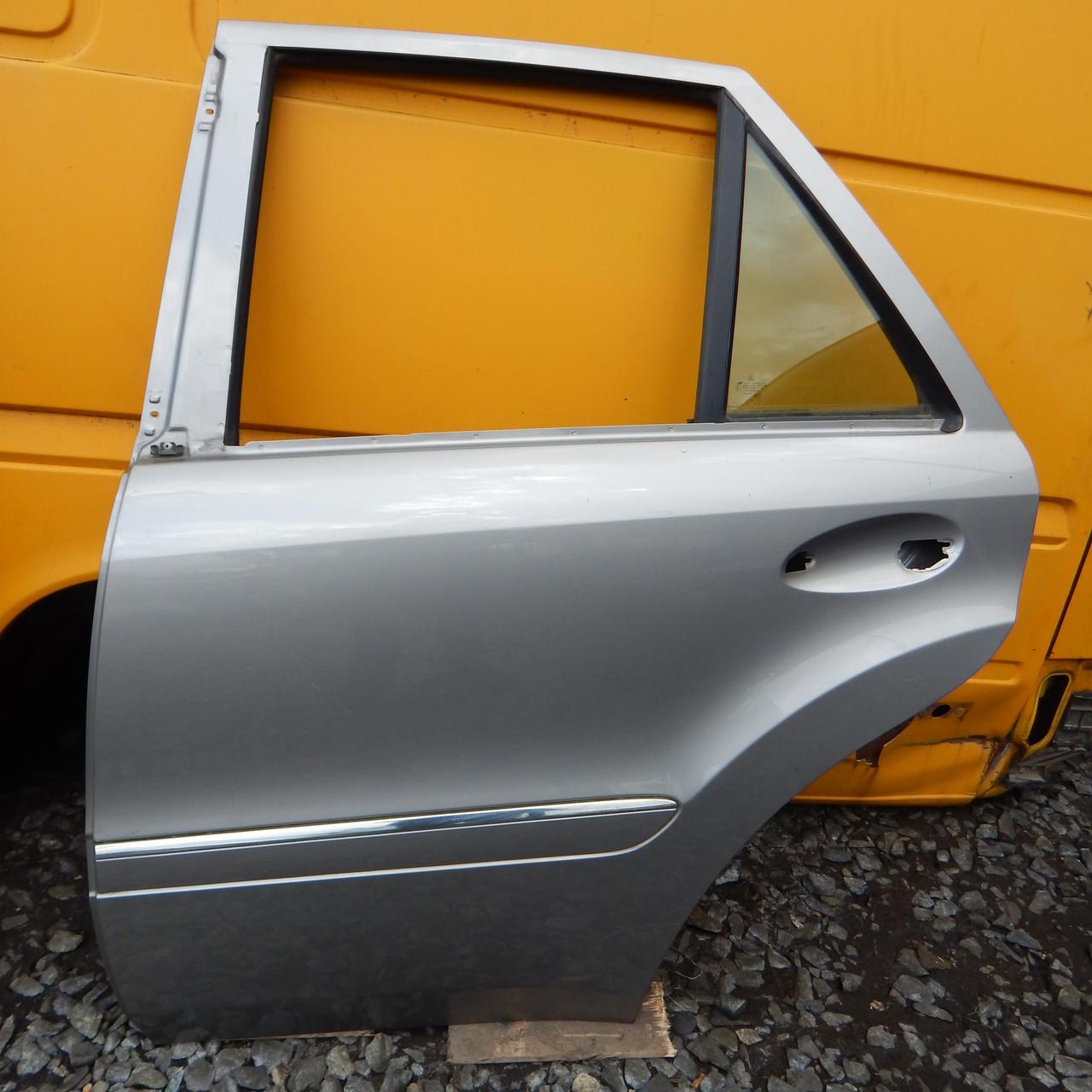 Двері передні задні для Mercedes-Benz ML W164