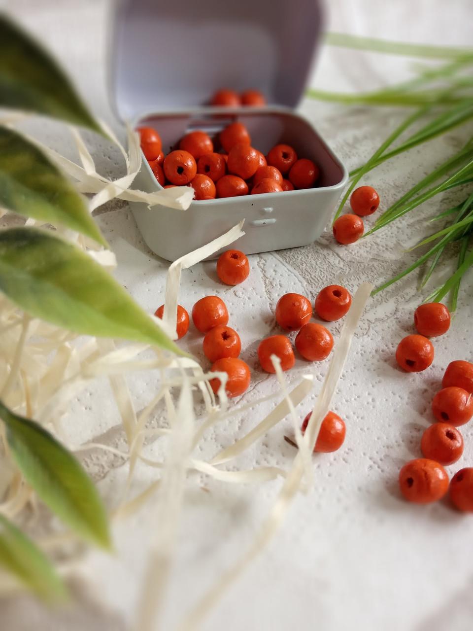 Круглые бусины оранжевого цвета из дерева, 60 шт,  диаметр - 0,8 см., 15 гр.