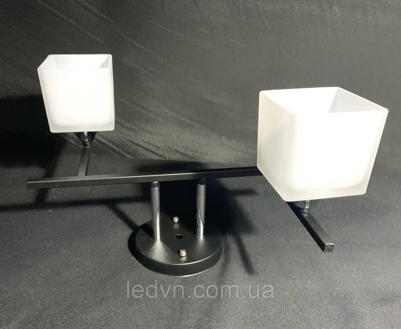 Стельова люстра на 2 лампи квадратні плафони в чорному кольорі