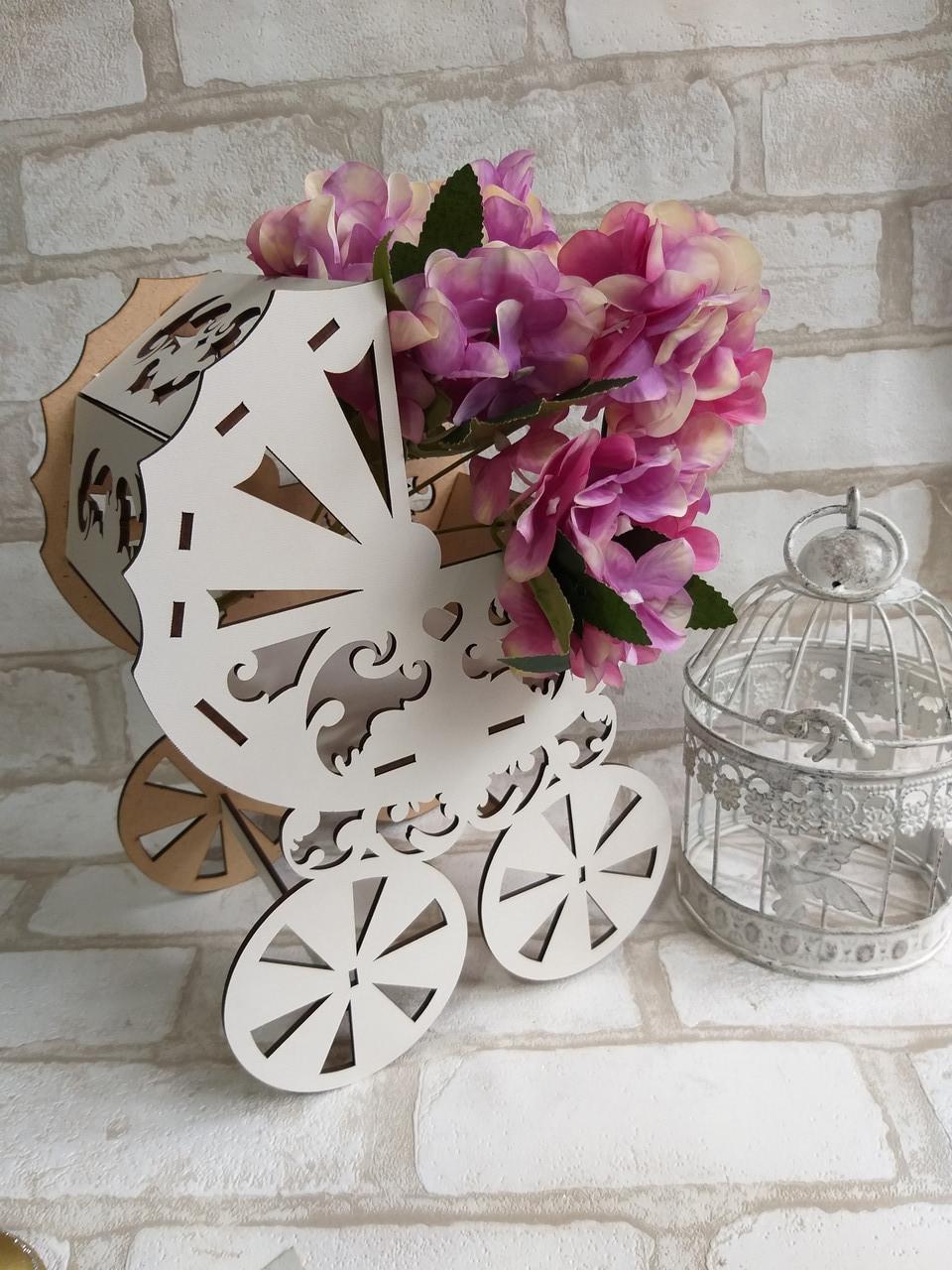 Декоративная коробка-упаковка в виде колясочки, ДВП, р-ры 27х19х13 см., 95/85 (цена за 1 шт. + 10 гр.)