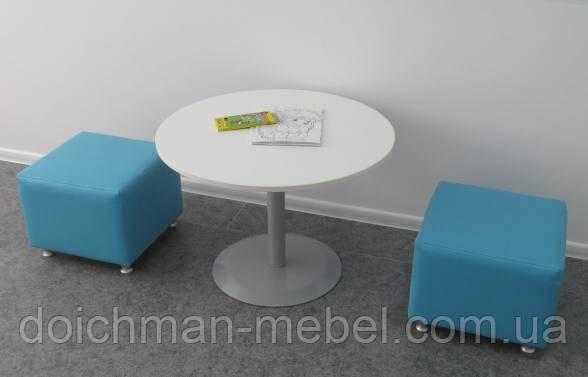 Пуфики для посетителей, мягкая мебель для кафе