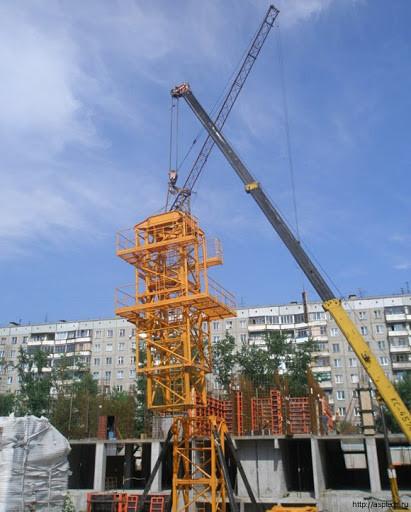 Монтаж башенного крана в Киеве