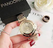 Стильные женские часы Pandora реплика Золото