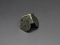 Уголок металлический накладной. 30х30х30мм