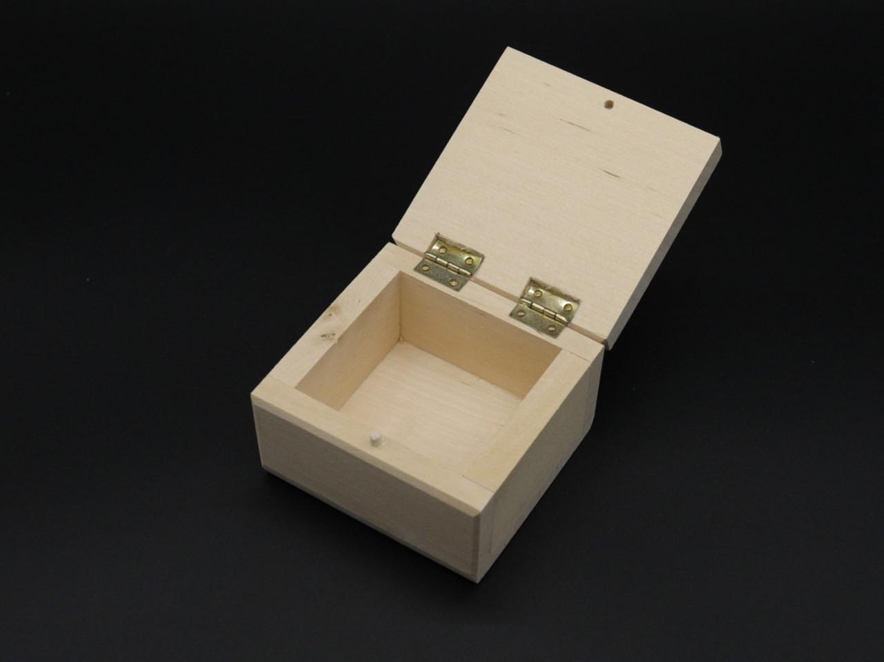 Скринька(заговка) +петлі. 8*8см. Матеріал береза.