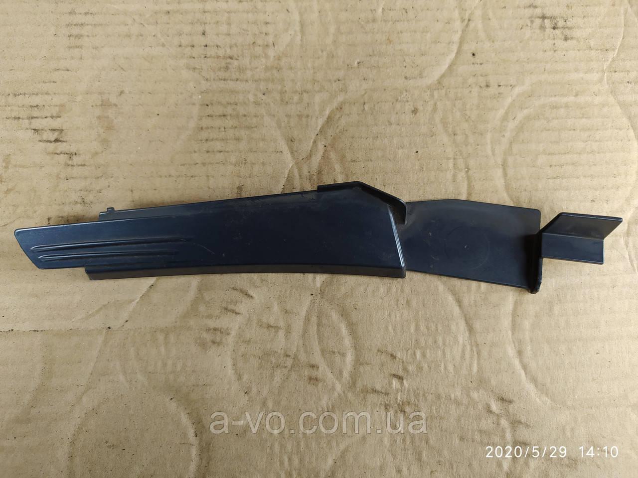 Накладка молдинг правого крила Opel Zafira B 13142287