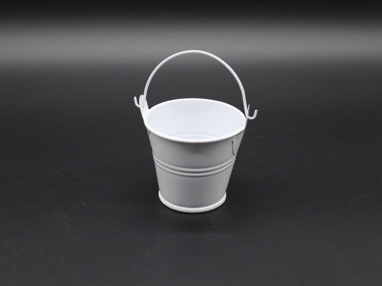 Декоративное металлическое ведро. Цвет белый. 7см