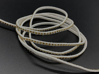 Шкіряні шнурки з камінчиками. Колір білий. 120см 3мм