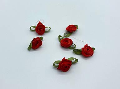 Цветок Роза красная с листочками