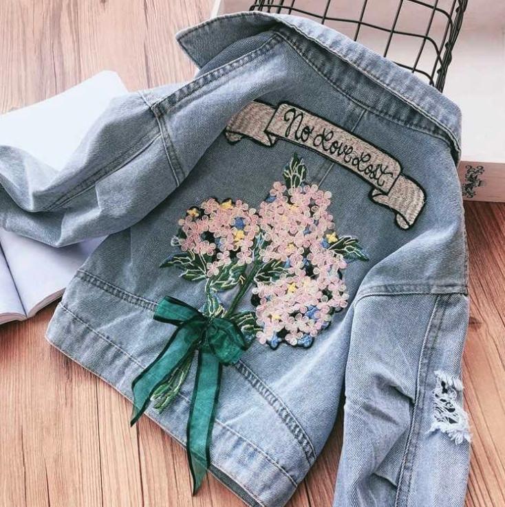Джинсовая куртка на девочку с пайетками 3-7 лет