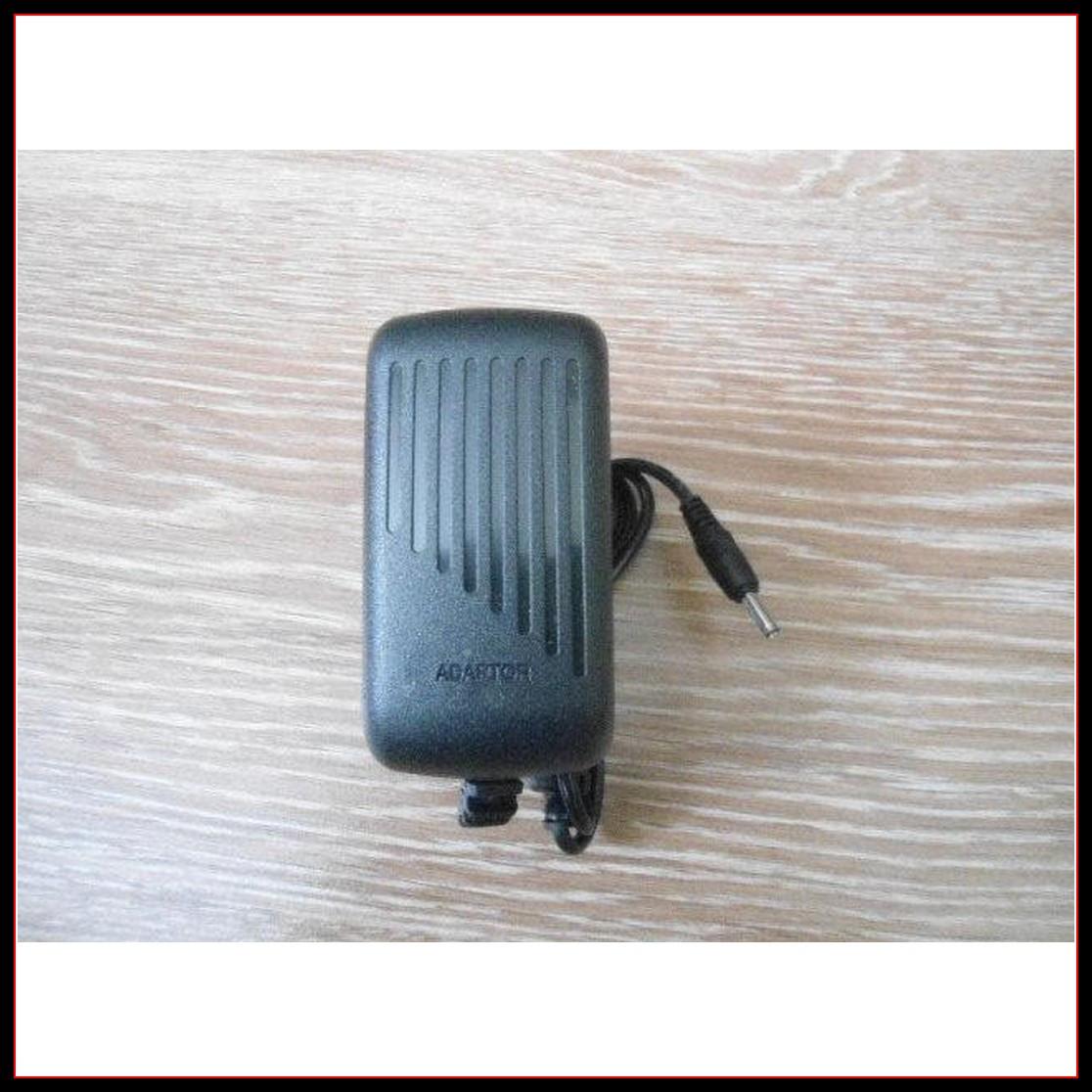 Сетевой адаптер зарядное 5V 3A штекер 3.5*1,35 мм
