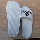 Мужские шлепанцы летние низкие Adidas шлепки белые. Живое фото. Реплика, фото 2