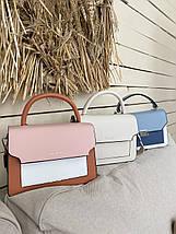 Женская сумка кросс-боди розовая с белым с ярким ремешком, фото 3
