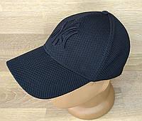 Бейсболка чоловіча на резинці. Чорного кольору з чорною емблемою. Р-Р 55-58. (Роздріб)., фото 1