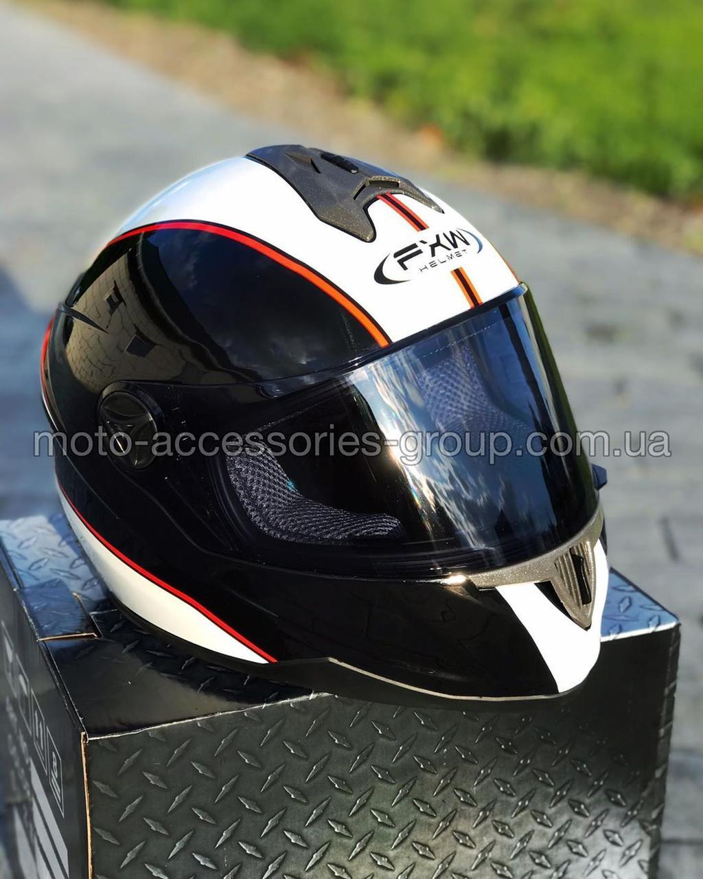 Шлем закрытый HF-122 ЧЕРНЫЙ глянец с белой полосой Q66