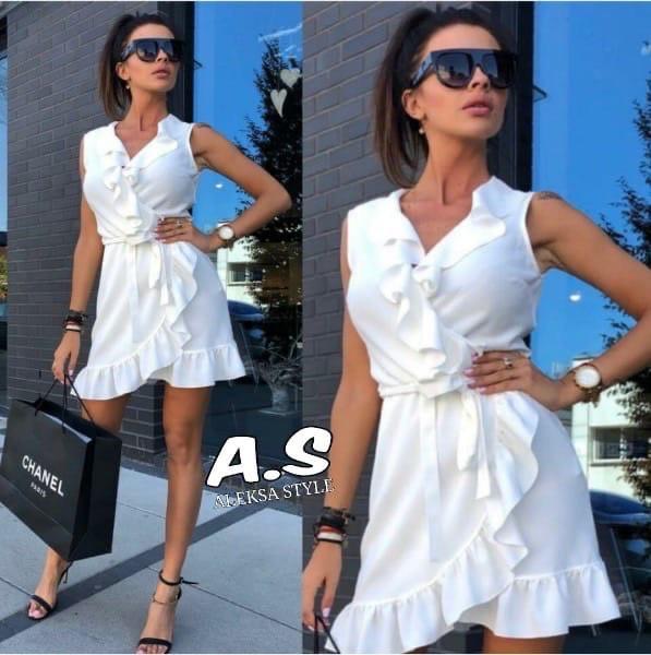 Женское легкое белое платье на запах