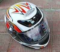 Шлем белый с узором (МУСТАНГ)