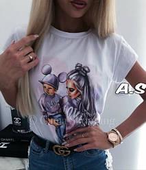 Женская белая футболка с модным принтом