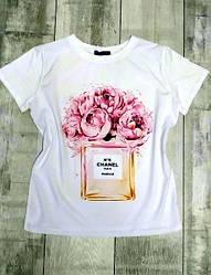 Женская стильная футболка с модным принтом