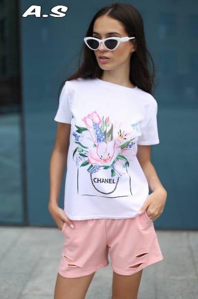 Женский костюмчик: футболка с принтом и шорты
