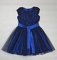 Нарядное платье для девочки   на рост 140,146,152 синий