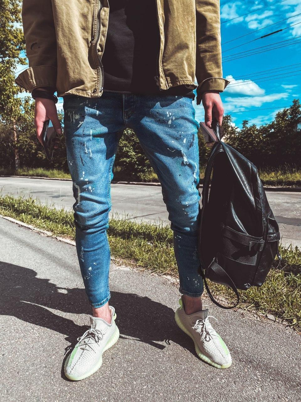 Мужские зауженные джинсы синие поцарапанные