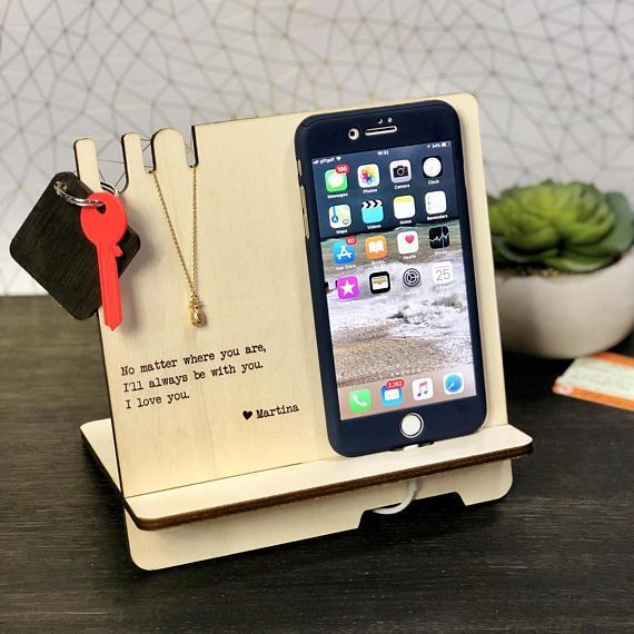 Подставка под телефон из фанеры