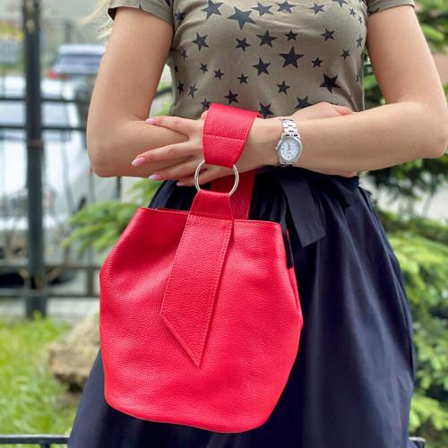 Кожаная сумка-мешок красного цвета. Цвет любой под заказ.