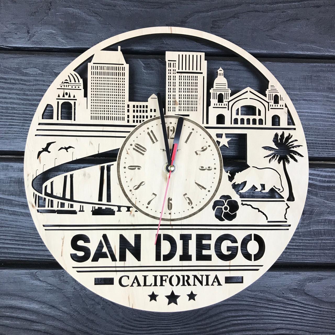 Бесшумные настенные часы из дерева «Сан-Диего»