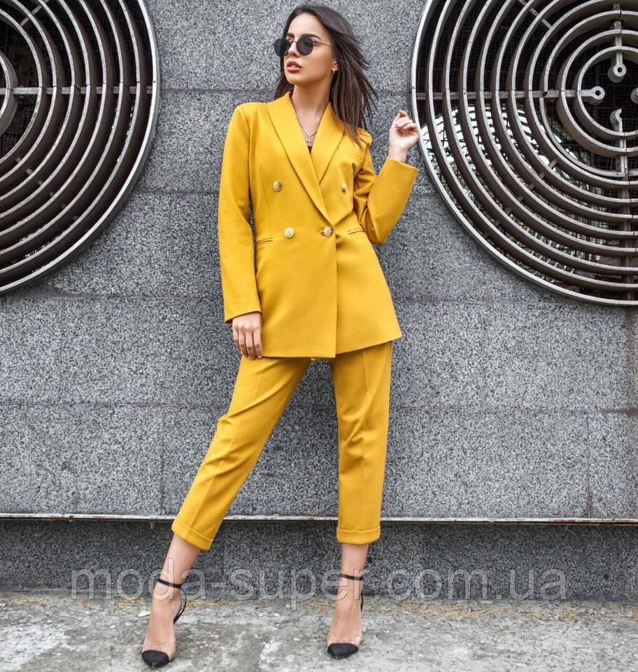 Женский костюм с укороченными брюками  рр S  M  L