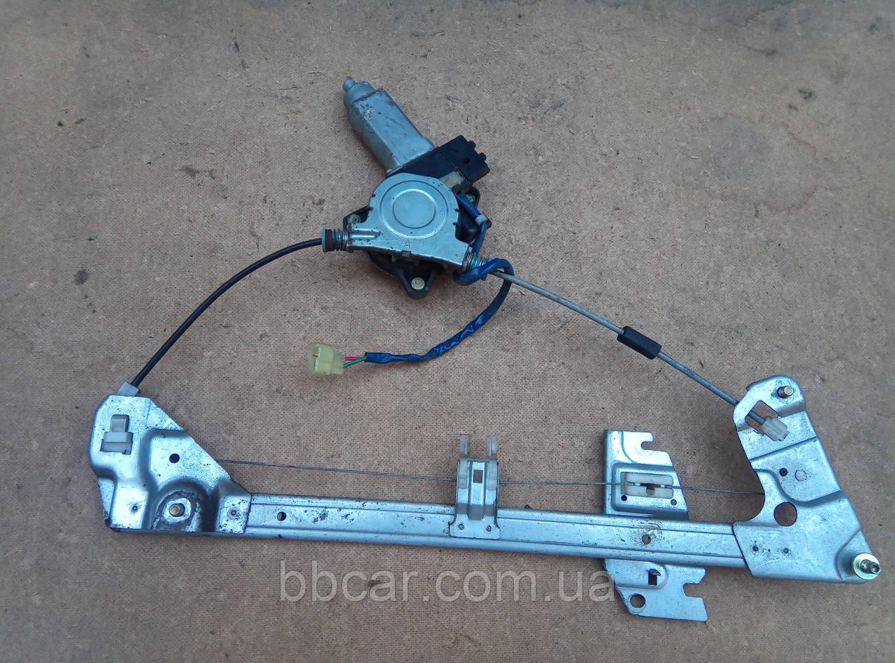 Склопідіймач передній правий  Mazda 323 F  862100-4296