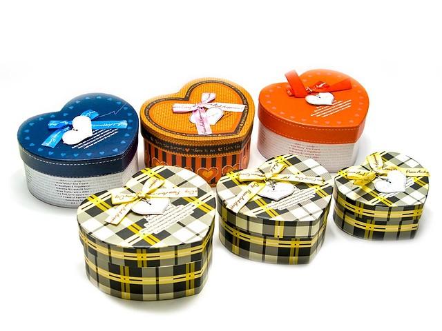 Подарочные коробки в виде сердца (комплект из 3-х штук)