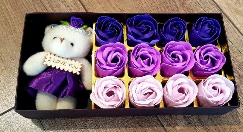Мыло из роз с мишкой  Подарок для девушки, мыло ручной работы