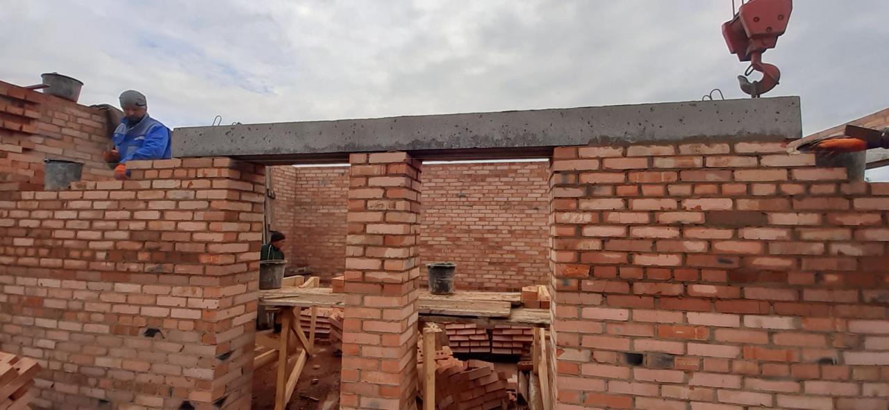 Кладка стен из кирпича и газоблока строительство домов и котеджей в Виннице и области