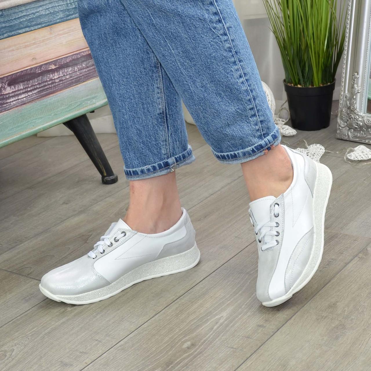 Кроссовки женские кожаные на шнурках, цвет белый