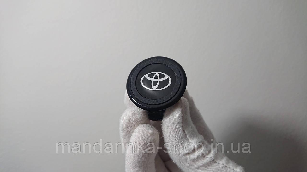 Магнітний тримач для телефона з логотипом TOYOTA