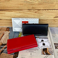 Женский раскладной кожаный кошелек портмоне на кнопке цветной Prensiti